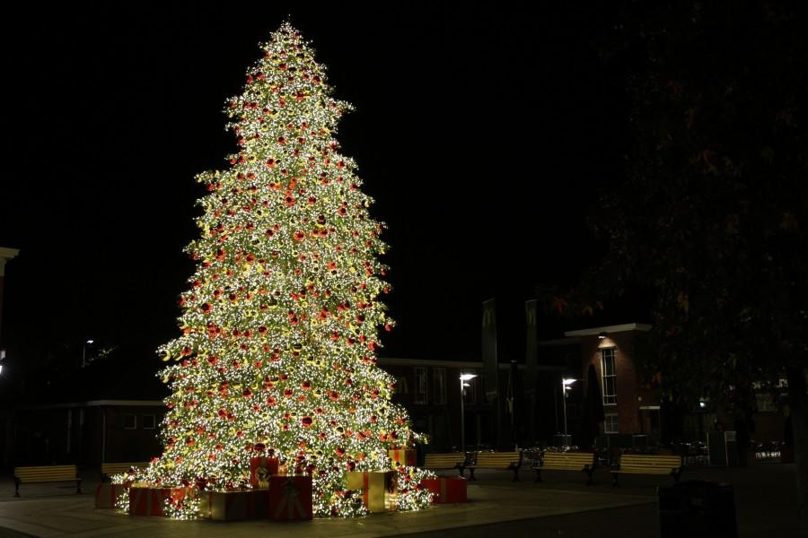 PS eventcrew kerstboom Designer Outlet Roermond 2015